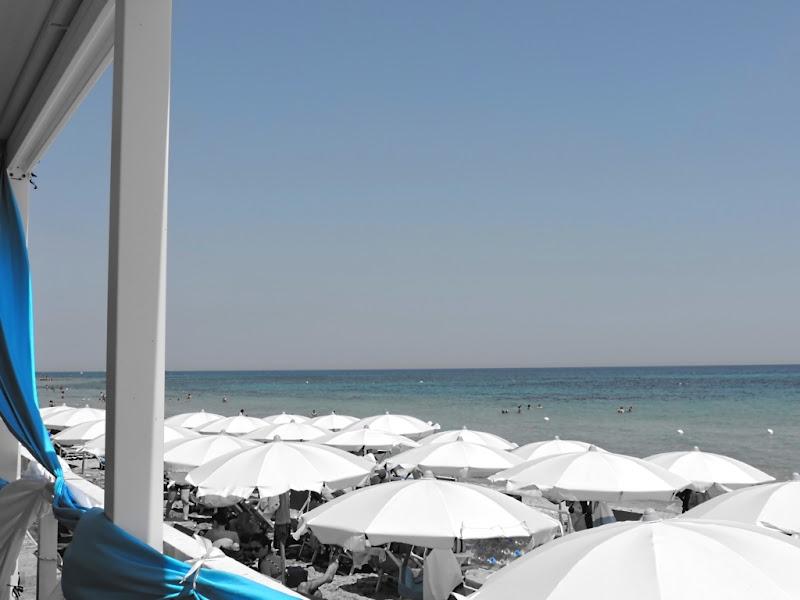 Azzurro: nostalgia del mare (Salento - Puglia) di ayrton73