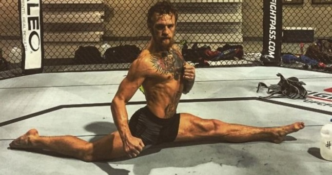 10 impressive facts about conor mcgregor life for Living naked at home