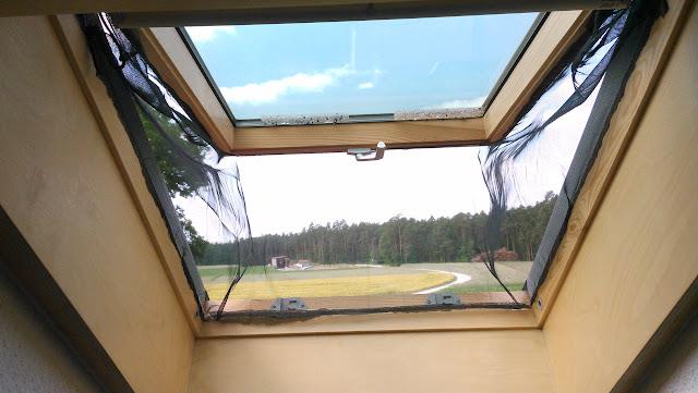 Tomaten mark 39 s gartenblog fliegengitter f r das - Fliegengitter dachfenster selber bauen ...