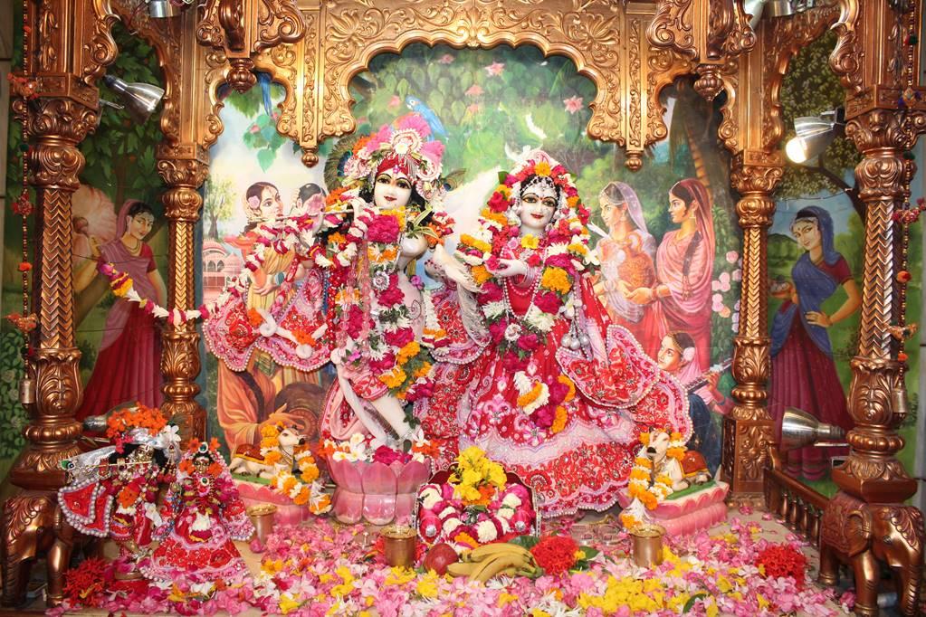 ISKCON Vallabh Vidhyanagar Sringar Deity Darshan 05 Mar 2016 (6)