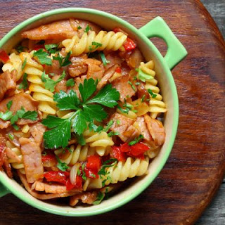 Spicy Slow-Cooked Ham and Rotini Soup