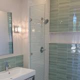 Bathrooms - 20150825_114755.jpg