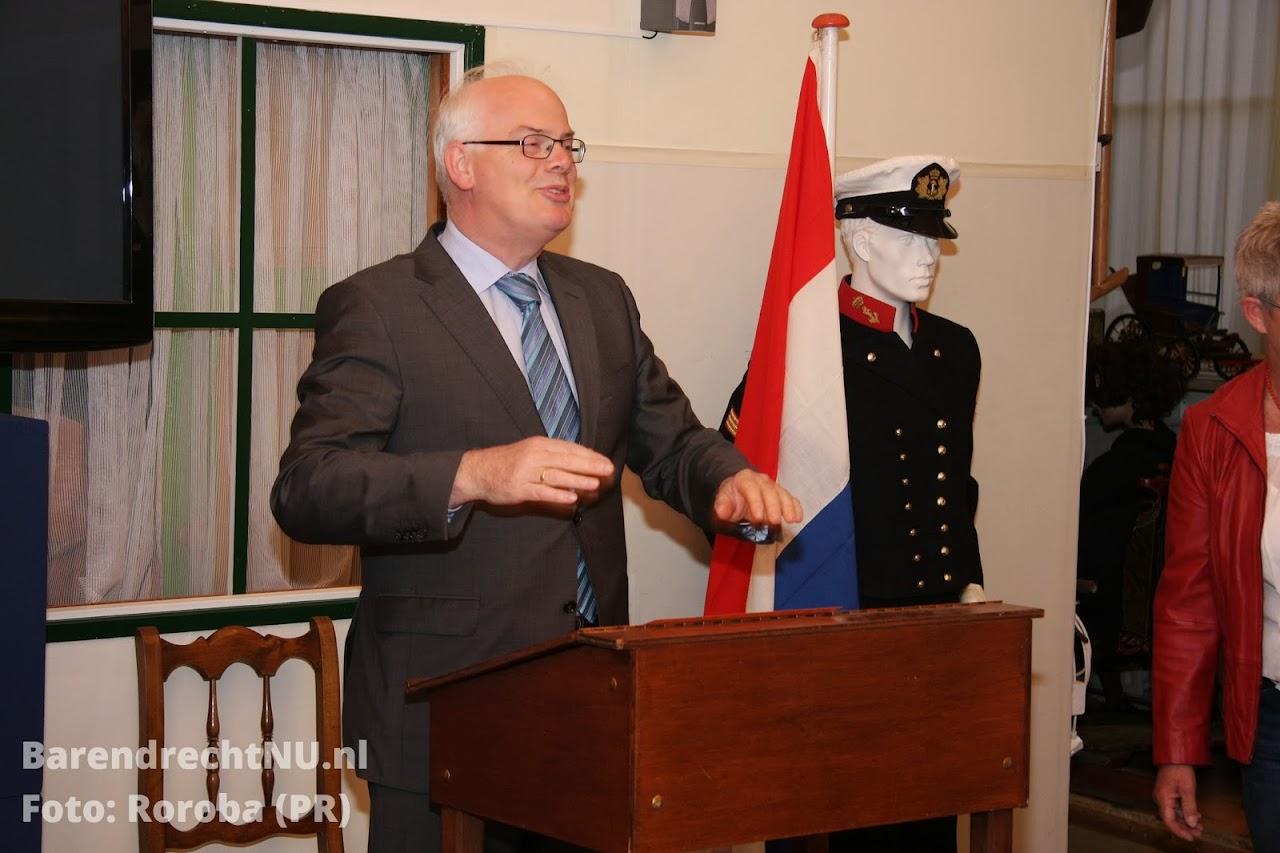 Burgemeester van Belzen gaf een stukje geschiedenisles ( foto roroba).jpg