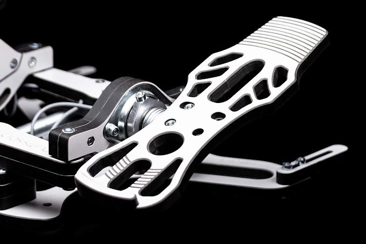 mfg-crosswind-rudder-pedals-5.jpg
