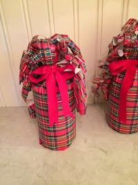Easy bottle gift wrap DIY