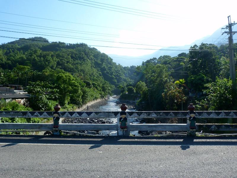 Tainan County.De Dona village à Meinong via Sandimen en scooter.J 12 - P1220377.JPG