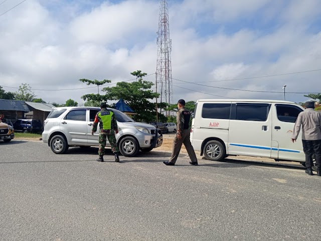 Babinsa Koramil 09/ Minas Bersama Jajaran Polri Gelar Oprasi Yustisi Kecamatan Minas