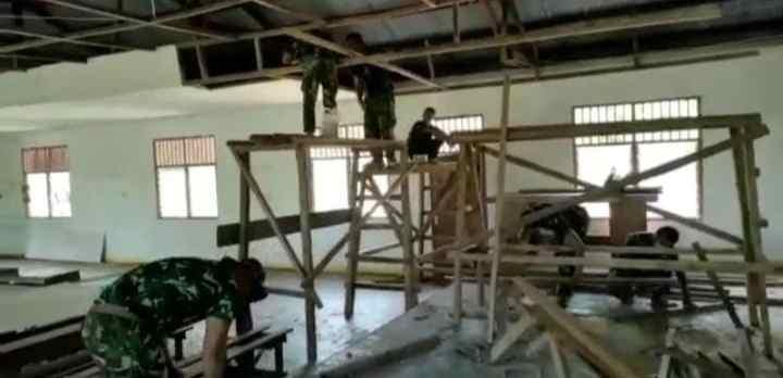 Satgas Yonif 512/QY Renovasi Tempat Ibadah di Perbatasan RI-PNG...