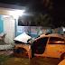 Vehículo penetra a alta velocidad a una vivienda en Cabrera.