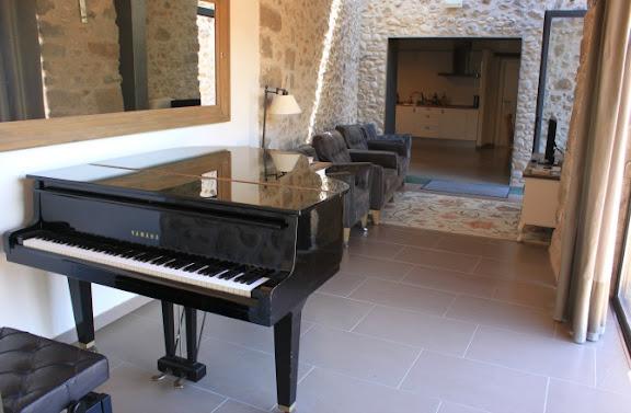 Sala del piano Can Clotas.jpg