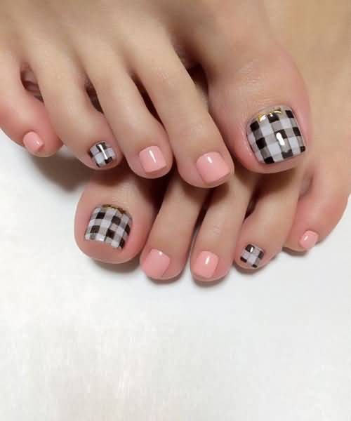 Foot nail art design 2017 black and white shimmery black and black and white check design toe nail art idea g prinsesfo Images