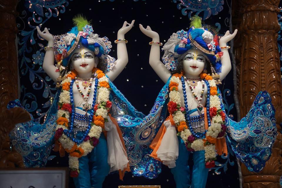 ISKCON Noida Deity Darshan 11 May 2016 (7)