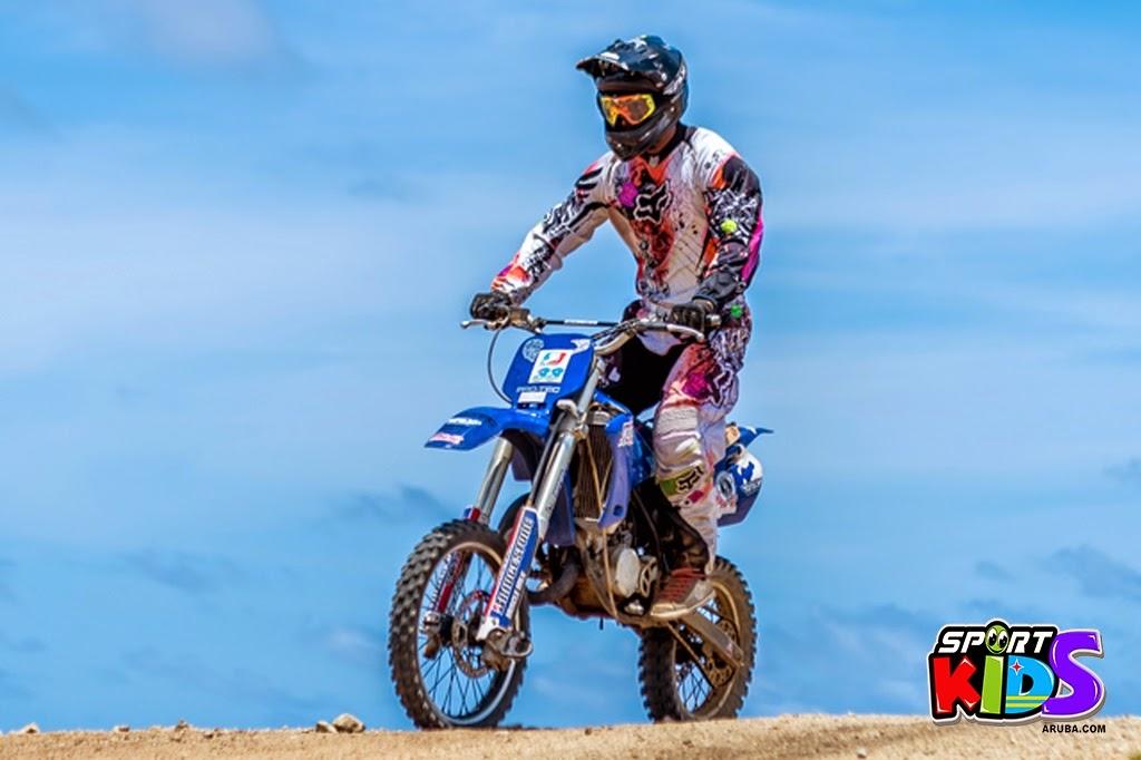 extreme motorcross Aruba - moto%2Bcross%2BGrape%2Bfiled%2BApril%2B2015-18.jpg