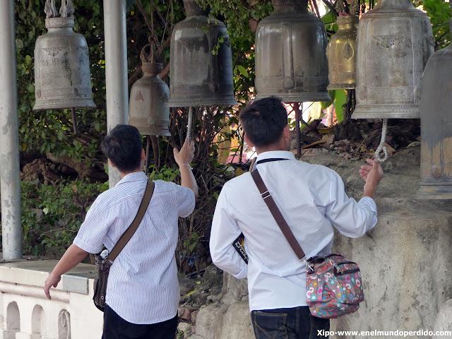 tocar-campana-golden-mountain-bangkok.JPG