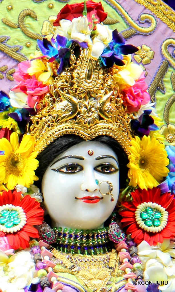 ISKCON Juhu Sringar Deity Darshan 11 Jan 2016  (13)