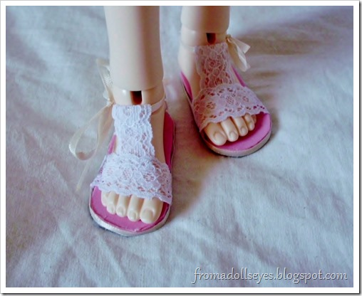 Of Bjd Fashion: Improved Lace Sandals with a Tutorial: Lace Sandals for a msd sized ball jointed doll
