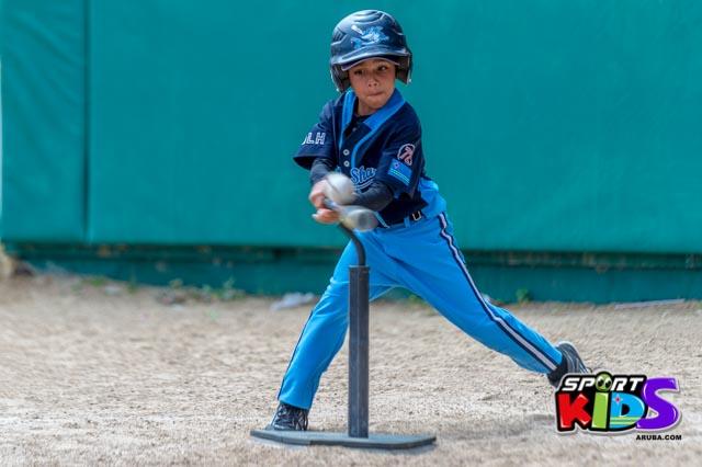 Juni 28, 2015. Baseball Kids 5-6 aña. Hurricans vs White Shark. 2-1. - basball%2BHurricanes%2Bvs%2BWhite%2BShark%2B2-1-14.jpg