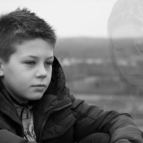 thinking... by Lemšen Bassanese - Babies & Children Children Candids