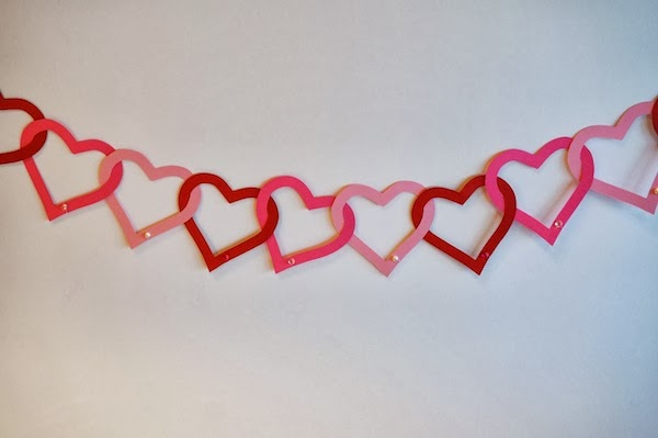 Paper Heart Garland by Cats on the Homestead