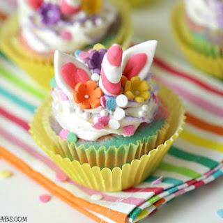 Rainbow Unicorn Cupcakes.