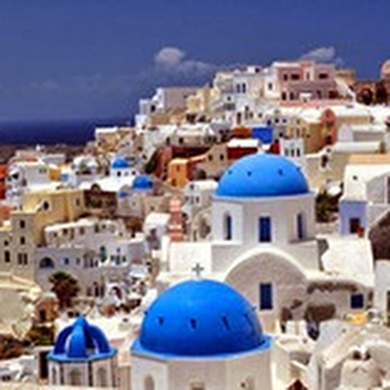 Honeymoon Destination in Europe, Perivolas of Santorini