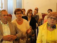 18 A hallgatóság soraiban Pogány Erzsébet, a SZAKC igazgatója.jpg
