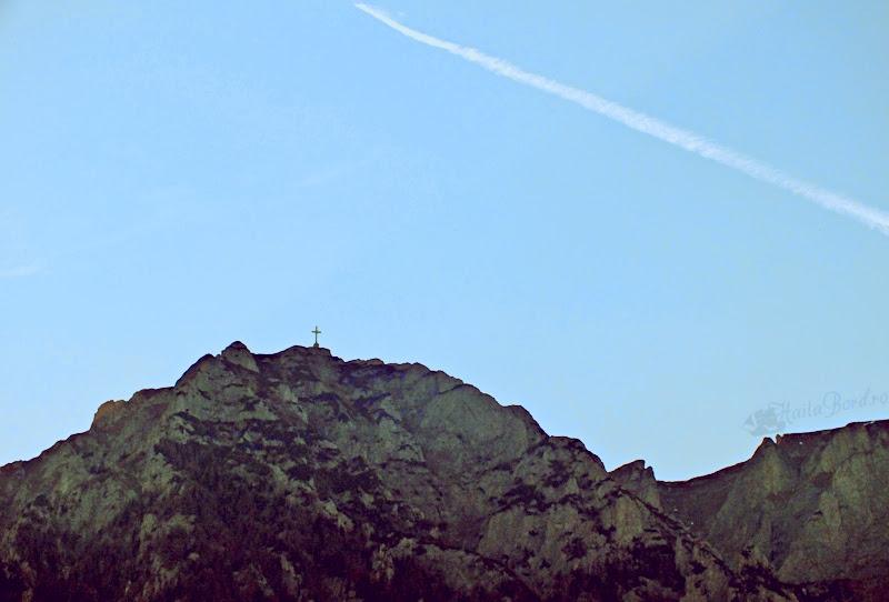 crucea caraiman vedere castel cantacuzino