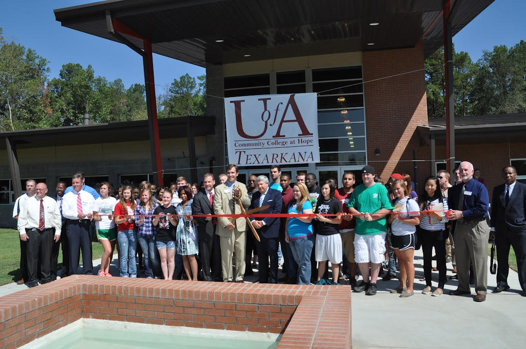 UACCH-Texarkana Ribbon Cutting - DSC_0404.JPG
