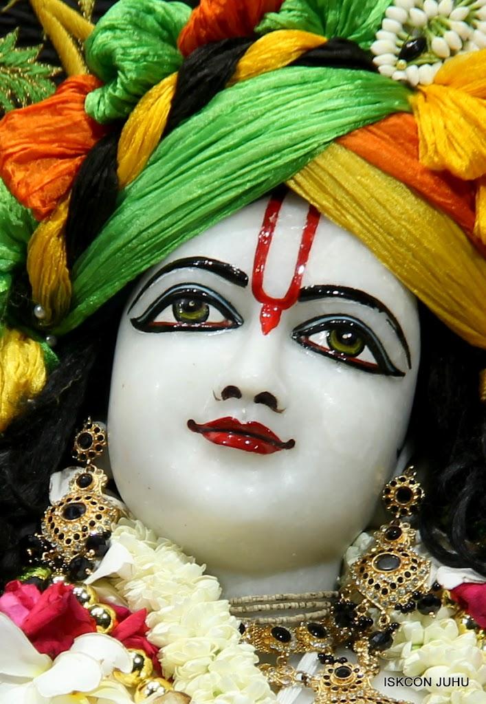 ISKCON Juhu Sringar Deity Darshan on 4th June 2016 (36)