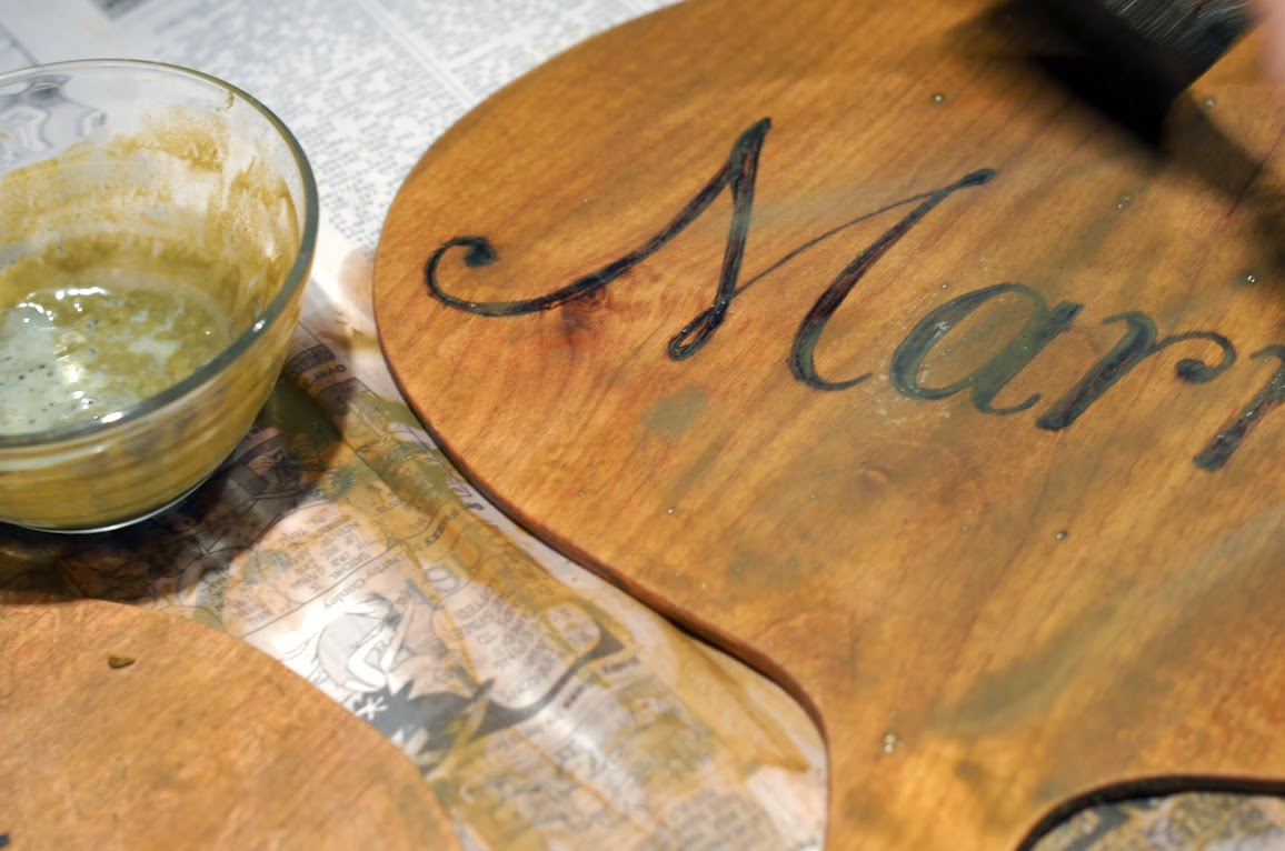 Staining wedding paddle photo props