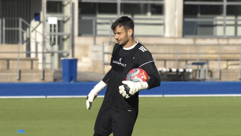 René Román respalda la llegada de Guti al Almería.