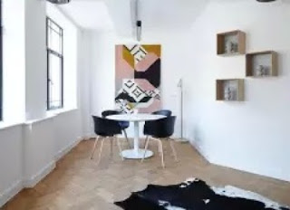 tips memilih hiasan dinding yang tepat untuk ruang tamu rumah anda