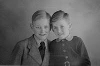 Groeneweg, Cornelis en Sjaak 1944.jpg