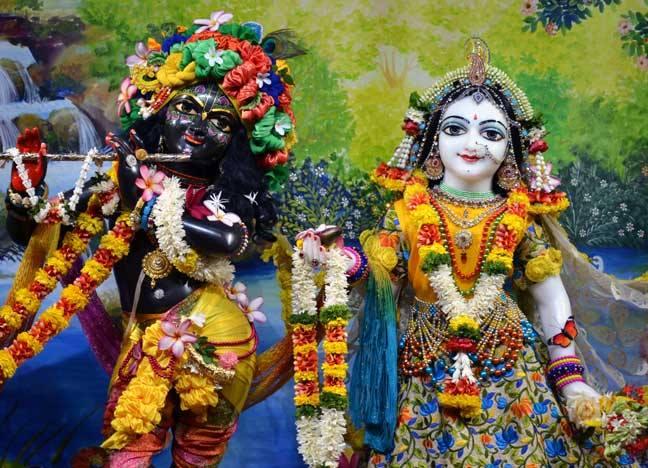 ISKCON Nasik Deity Darshan 02 April 2016  (1)
