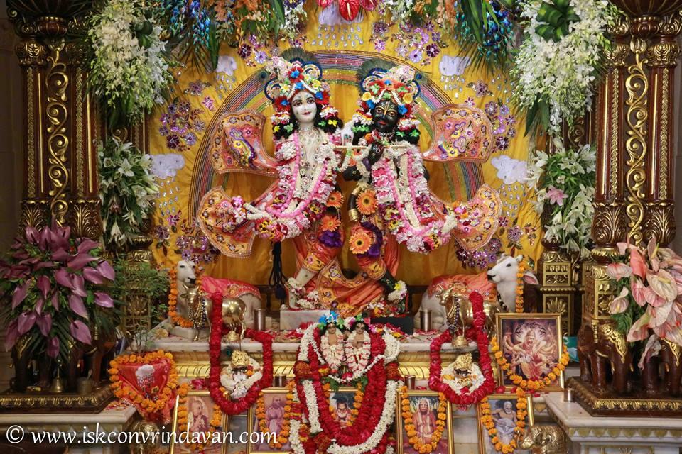 ISKCON Vrindavan Shringar Deity Darshan 11 May  2016 (20)