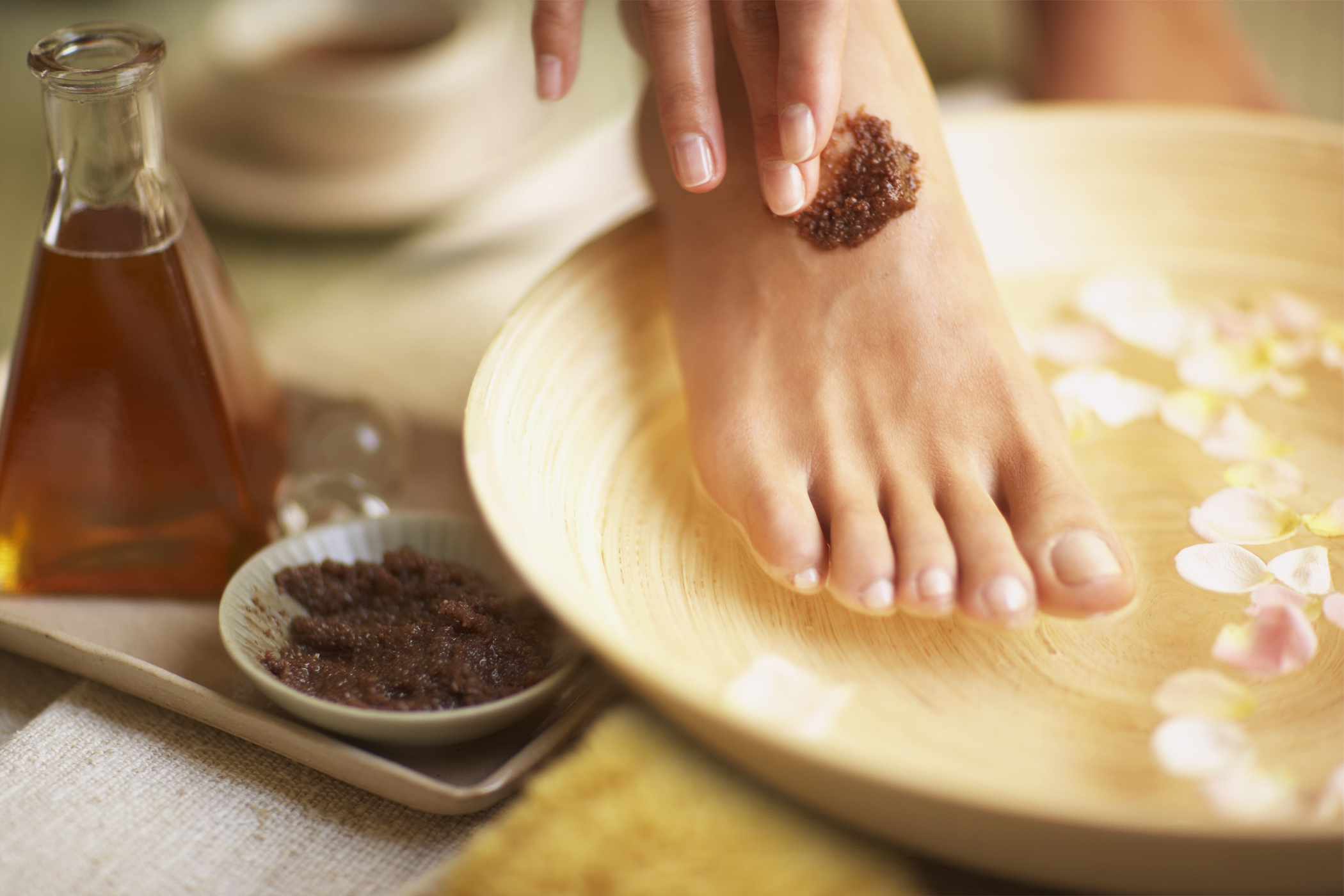 THE BEST FOOT SCRUBS FOR DAILY FOOT CAREFUL 1
