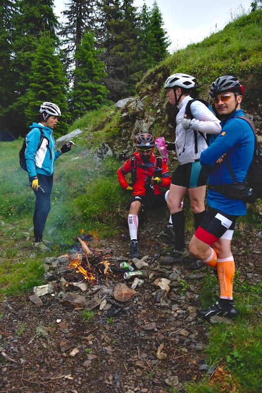 Vorba lui Dan, pana acum foc intr-o tura de bicicleta nu am mai facut. Din categoria daca nu e caldura ne-o facem singuri.