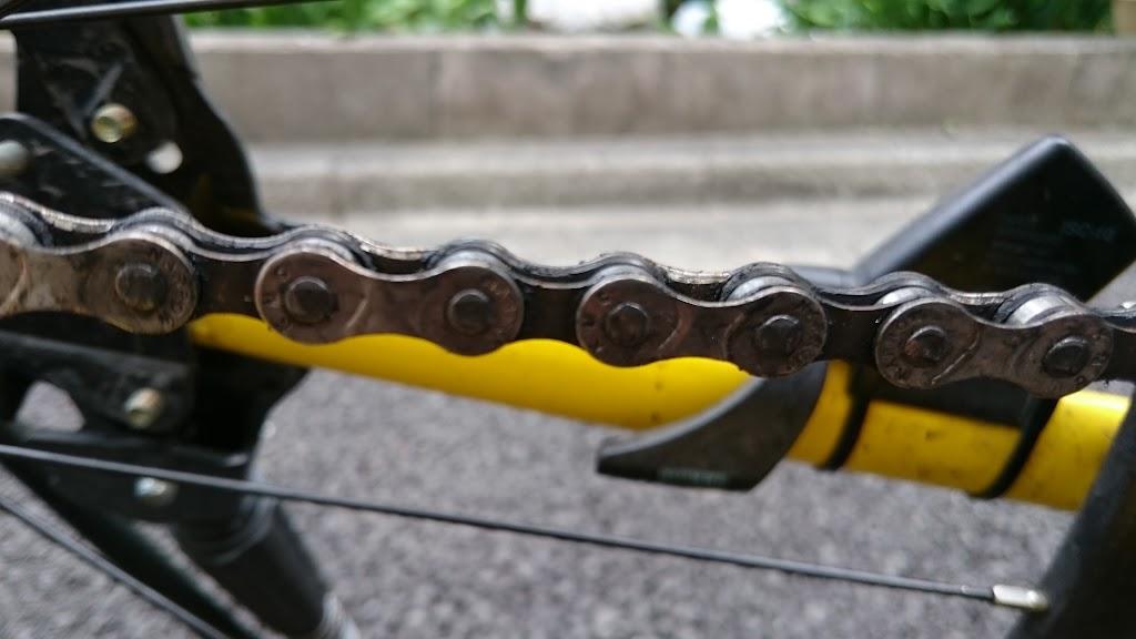 チェーン掃除前のクロスバイク
