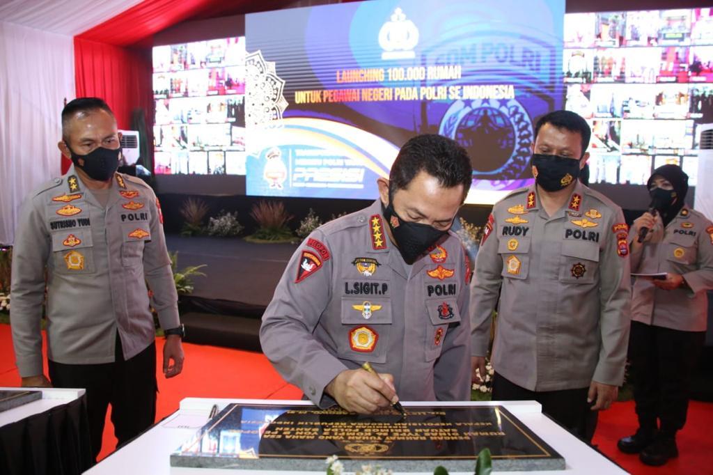Kapolri Resmikan Gedung Presisi Polres Kota Tangerang dan 100 Ribu Rumah untuk Personel