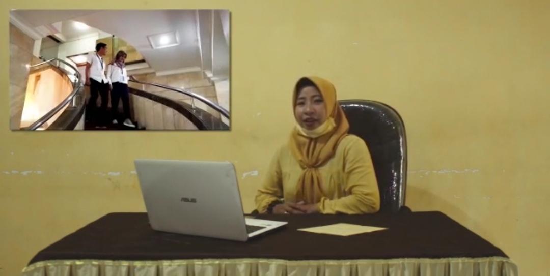 Kades Jampu Himbau Warganya Agar Pakai Masker dan Jaga Jarak Dalam Berinteraksi