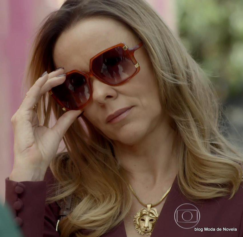 moda da novela Boogie Oogie - óculos da Carlota dia 6 de agosto