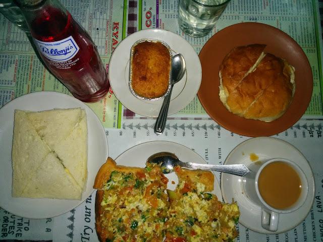 Parsi Akkruti toast at Kyani and Co