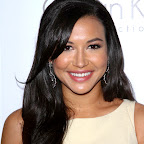 naya-rivera-long-black-romantic-wavy-hairstyle.jpg