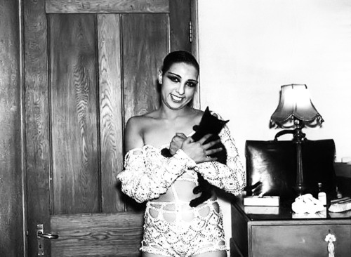 Josephine Baker and a cat