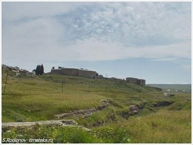 Крепость в селе Хунзах. Дагестан. Россия.