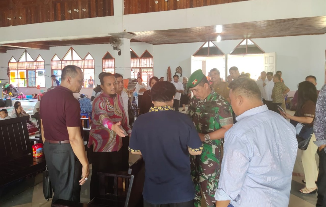 Kompak! Wagub Sulsel dan Wabup Tana Toraja Sambangi Pengungsi Toraja di Jayapura