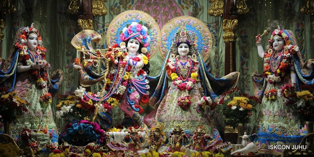ISKCON Juhu Sringar Deity Darshan 10 Apr 16 (2)
