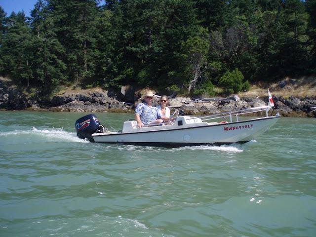 2011 Dinghy Cruise - 222405_236260636408200_100000727967374_751167_3769249_n.jpg