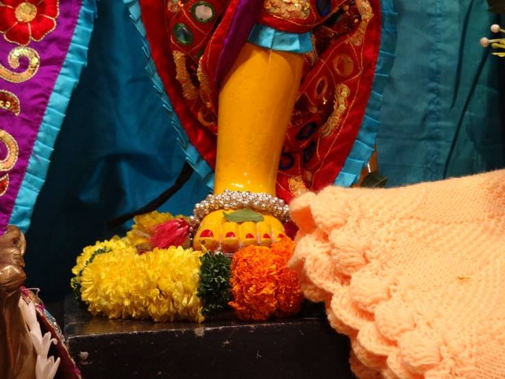ISKCON Nigdi Deity Darshan 06 Jan 2016 (14)
