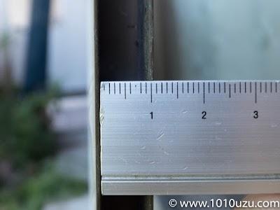 溝の幅は9 mm